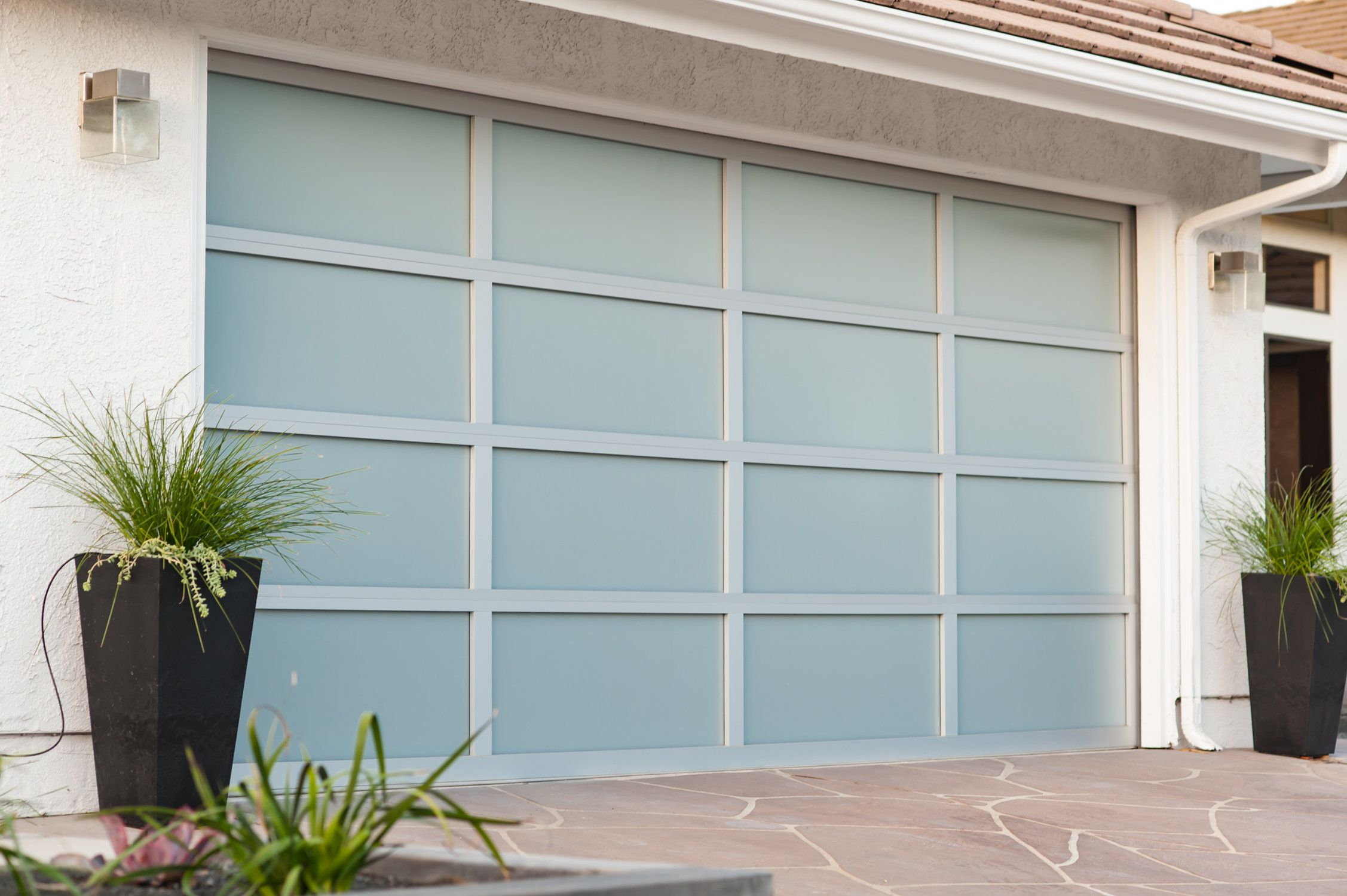 Wayne Dalton 8800 16 X 7 Clear Anodized White Laminate Glass Garage Door Los Angeles Ca Residential Garage Doors Garage Doors Garage Door Spring Repair