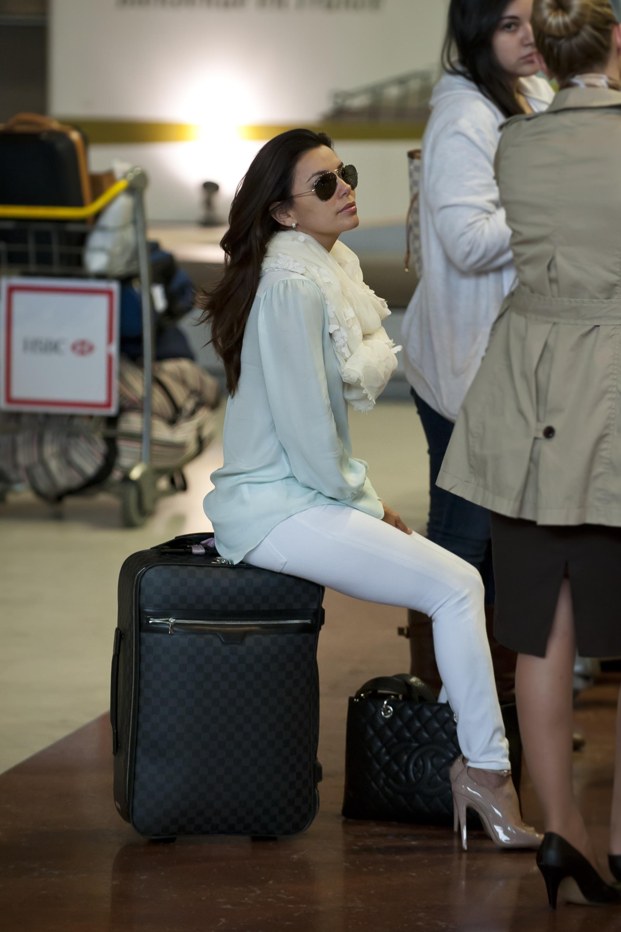 Eva Longoria - Paris airport..classy~ give me here Channel bag ... cd9296a9d9