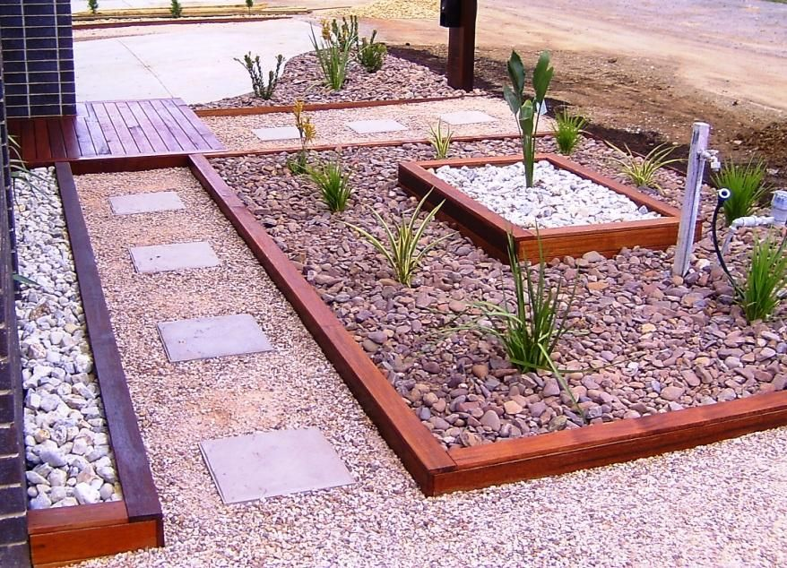 Landscape ideas for a small front yard | ehow, An appealing front yard  welcomes guests