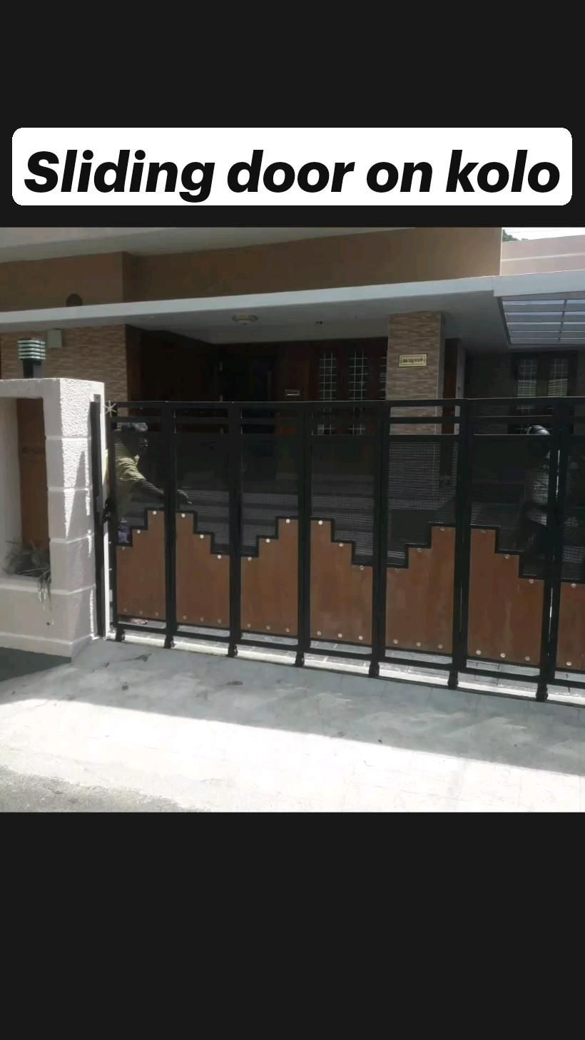Sliding door on kolo