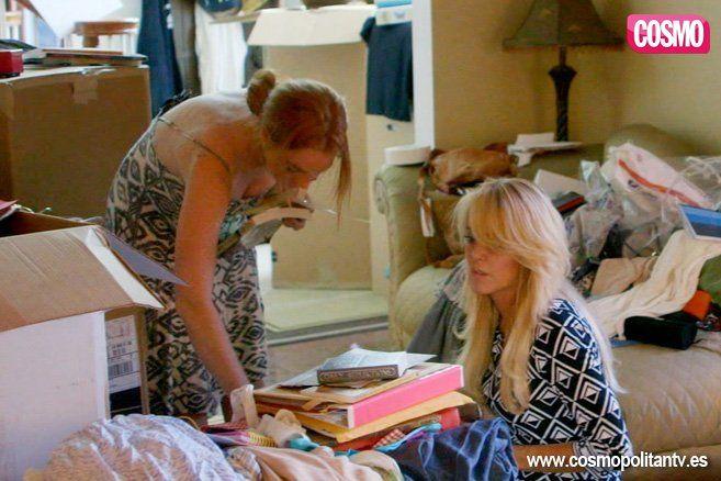 Lindsay Lohan y su familia - Fotos de Lindsay: Una nueva oportunidad: http://www.cosmopolitantv.es/fotos/lindsayunanuevaoportunidad/lindsay-y-su-familia/165/1084/24307/