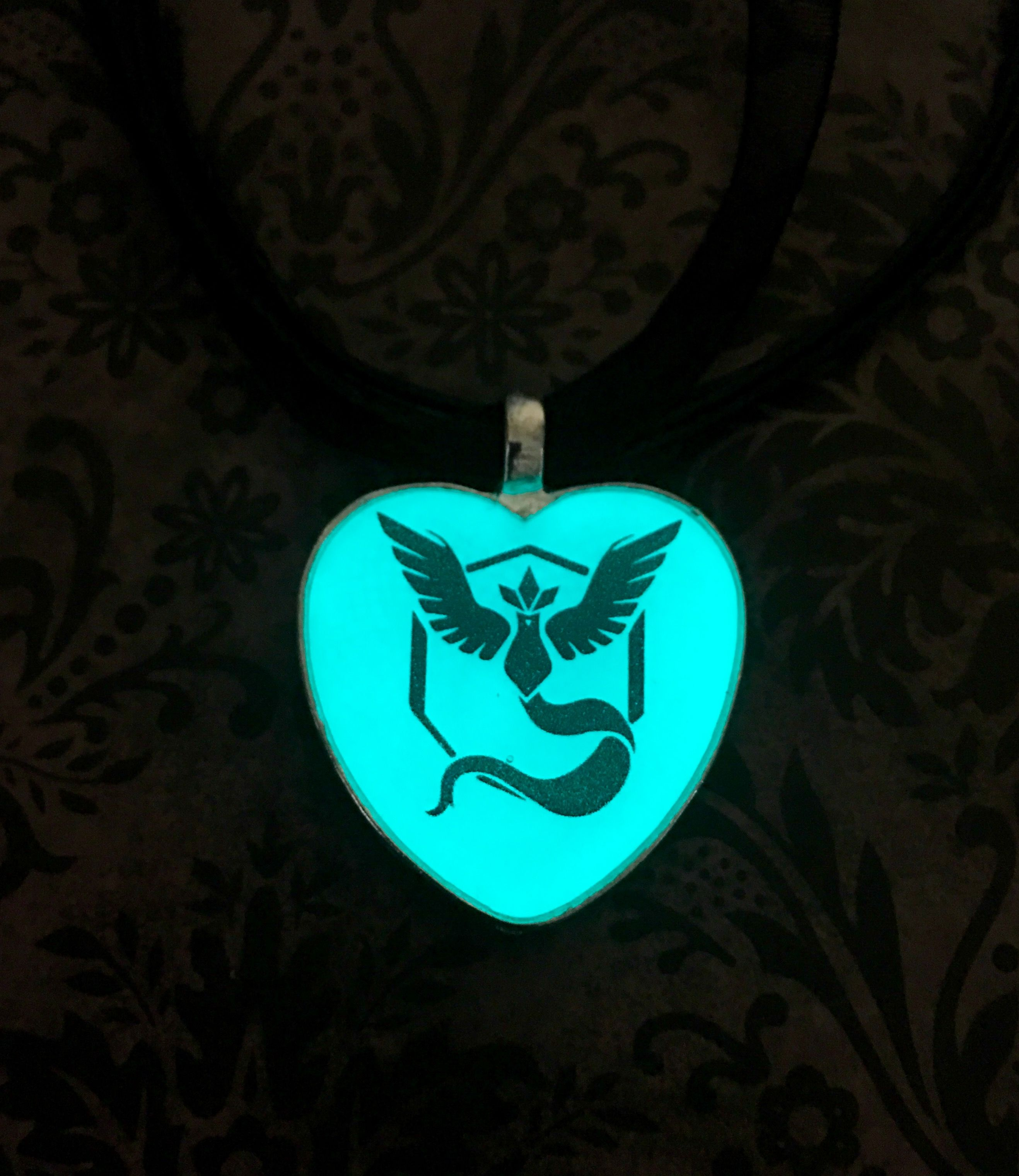 in final products fantasy rinoa heartilly n glow necklace the dark original glowing small