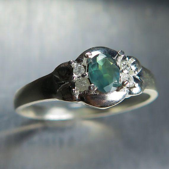 0.25cts Natural Alexandrite colour change & diamonds 9ct by EVGAD