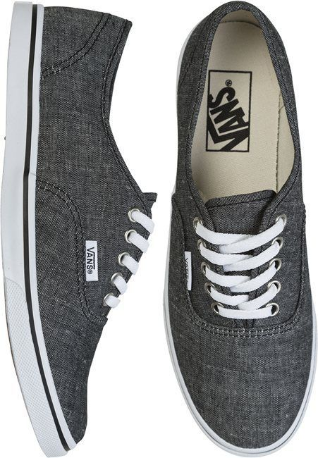 Dont know why but i want these really bad! VANS AUTHENTIC LO