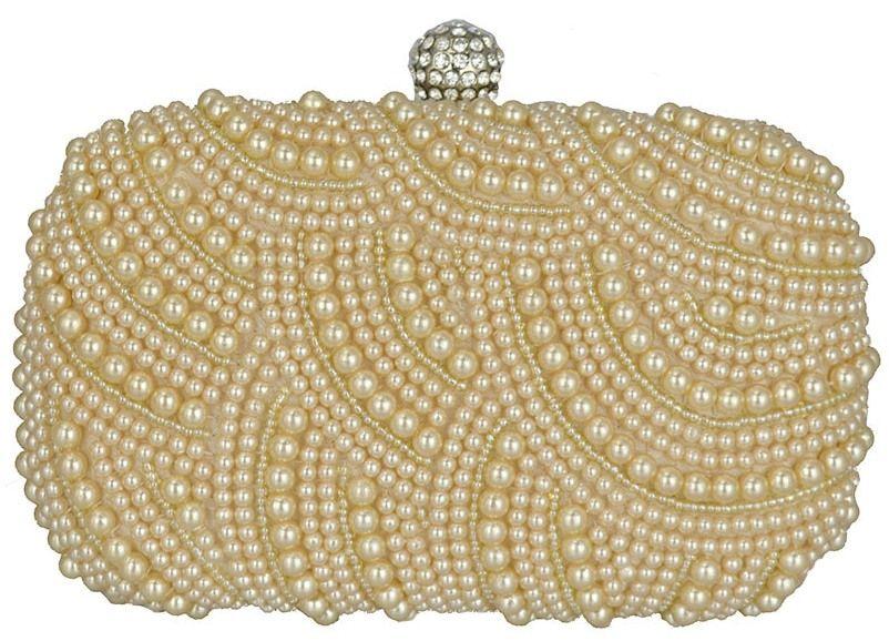 36db7811b Clutch Pérola, bolsa de festa em tecido dourado e bordada com pérolas.  Fecho redondo