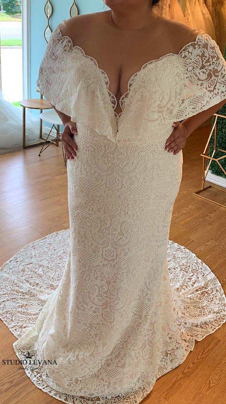 Super Gorgeous And Unique Plus Size Blush Vintage Mermaid Wedding Dress With Deep V Neckline Plus Size Wedding Gowns Wedding Dresses Lace Mermaid Wedding Dress [ 1368 x 765 Pixel ]