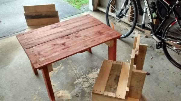 Kids Pallet Table & Chairs Only nails used, makes for an interesting challenge when you have limited tools. Hence the odd look of the chairs for example. Still robust enough for adults! Sanded and stained by hand. Tools needed: Hammer, Handsaw, Nails & Sandpaper.