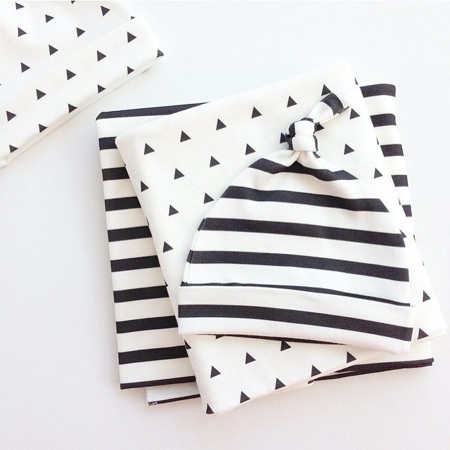 Our HoM signature baby essential kits have been restocked! Stripes & mini triangles are two of our most popular prints! #houseofmia #classic ❤