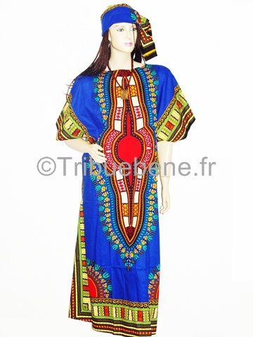 Boubou coupée moderne près du corps en tissu africain imprimé à motif Java (100% coton). Avec son foulard, arrivant jusqu'aux mollets, peut être également portée avec ou sans pantalon en bas.   Vendu avec le foulard.  En vente sur www.tribuebene.fr