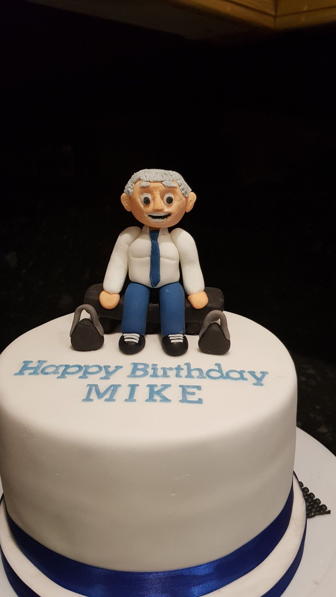 Old Man With Weights Birthday Cake My Cakes Pinterest