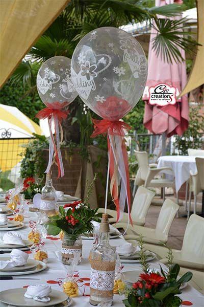 Allestimento matrimonio cuori palloncini nastri bianco rosso e juta realizzato da c c - Composizione palloncini da tavolo ...