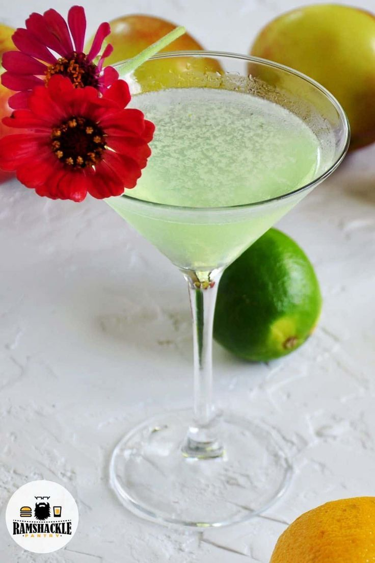 Appletini cocktail sweet and sour mix recipe cocktail