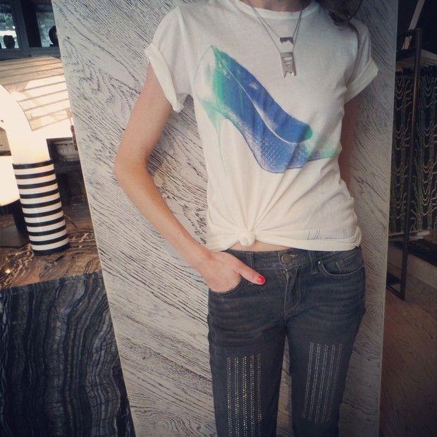 Style Stalk Kelly Wearstler: Kelly Wearstler Jeans And Kelly Wearstler Necklace