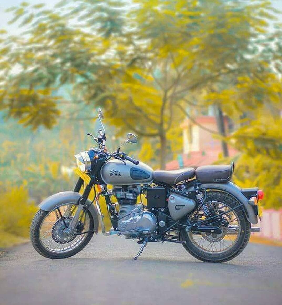 For More Amazing Posts Of Royal Enfield Follow This Page Royalenfieldofficial Roya Best Photo Background New Background Images Blurred Background Photography Full hd picsart royal cb background hd