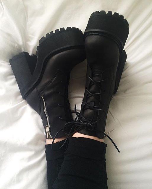 72f3c78dbd69 Choke Boots  unif Moda Gótica