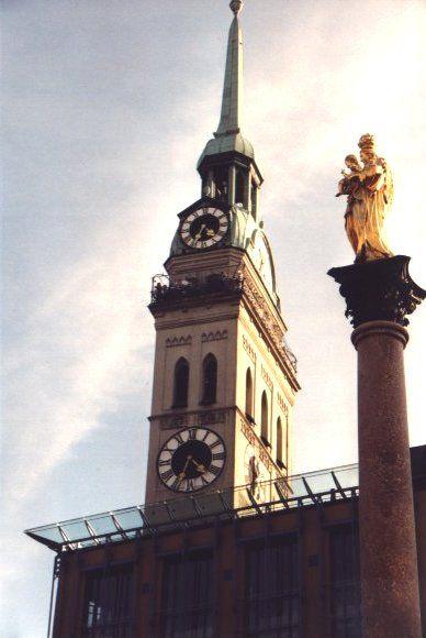Peterskirche In Munchen Sehenswurdigkeiten In Munchen Munchen Ausflug