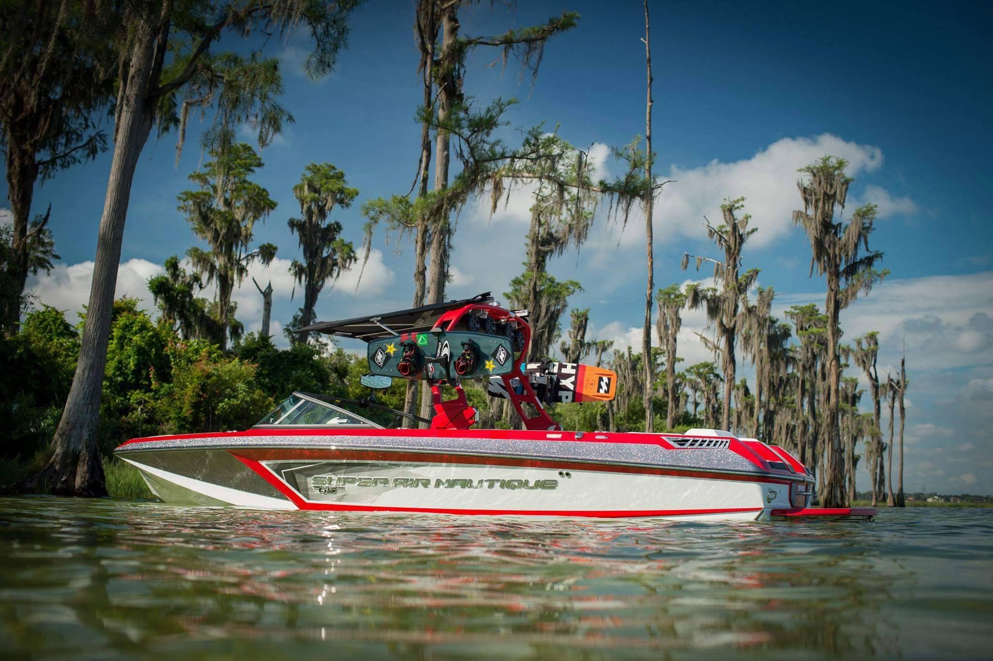 Meet 2018 Super Air Nautique GS24, a sport boat that takes