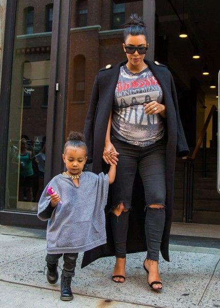 41c6d2f7d59c13 Kim Kardashian Photos - Kim Kardashian and Daughter North West Hang out in  NYC - Zimbio