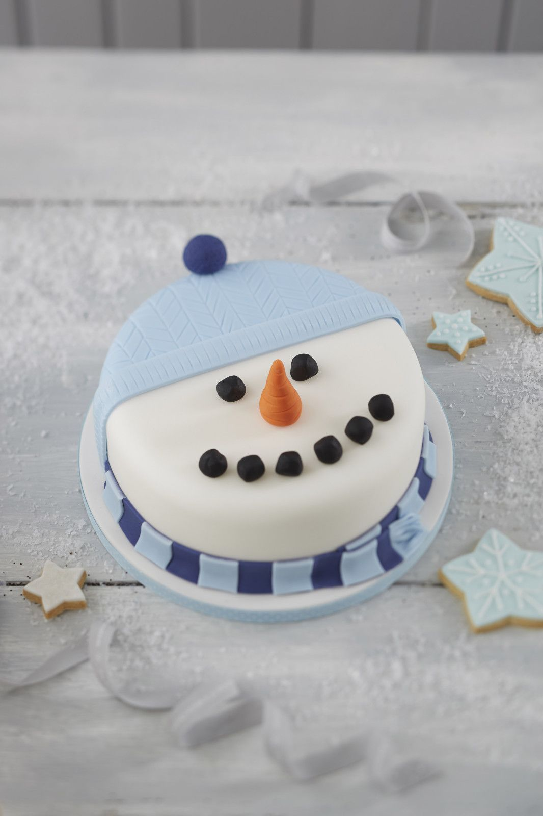 How to Make a Snowman Christmas Cake | Christmas cake ...