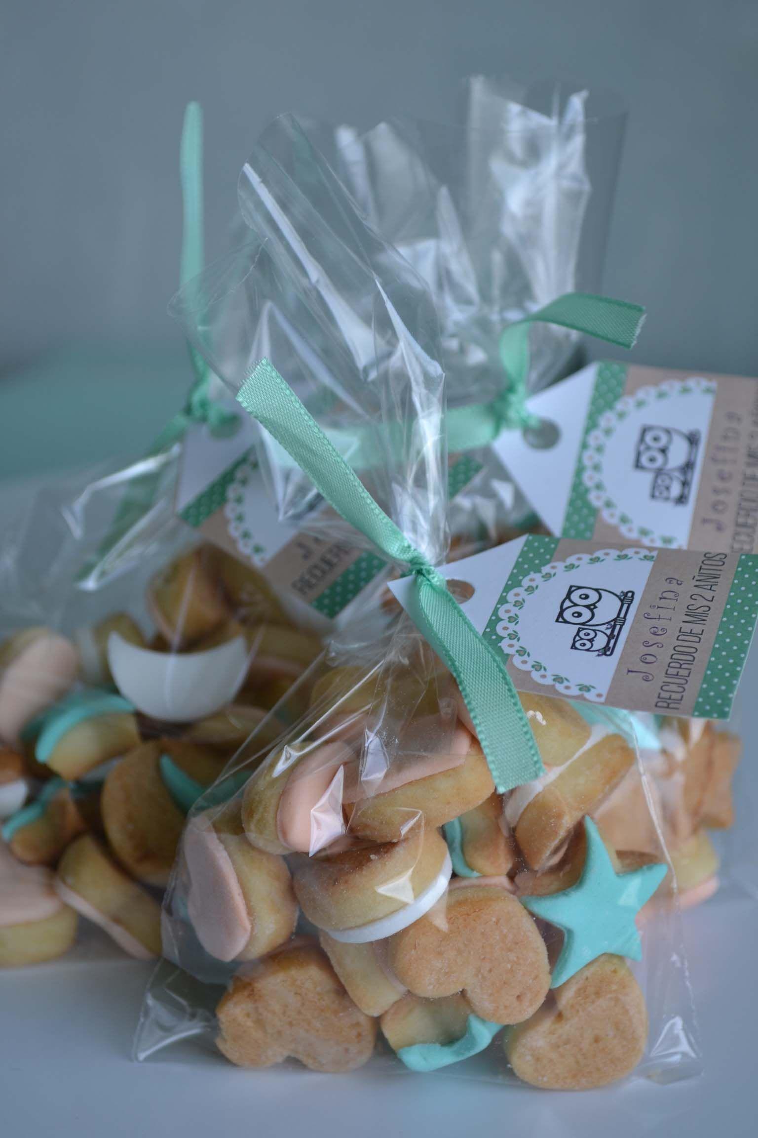 48101ff92 Souvenirs: bolsitas con mini galletiatas. #souvenirs #bolsitascumpleaños  #minigalletitas #souvenirscumpleaños