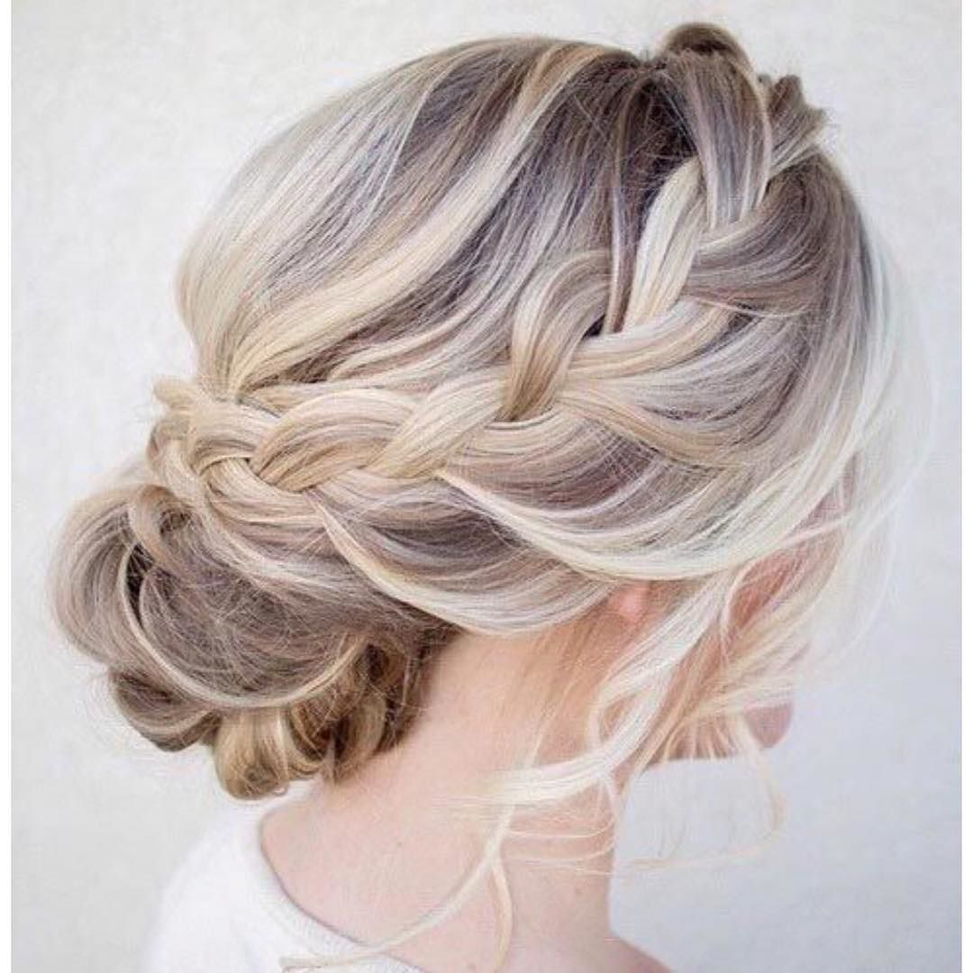 Maravilhoso weddingideas hairstyle braidandbun countrywedding
