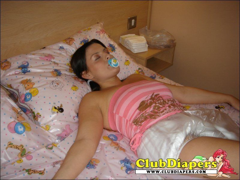 My girlfriend wears diapers to bed