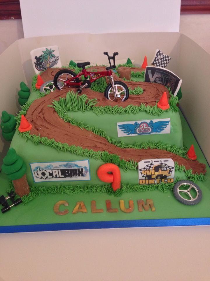 Motocross Track With Images Dirt Bike Cakes Motocross Cake