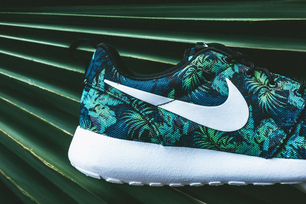 76626c8eab4e canada floral nike roshe runs in space blue and poison green 99b7a 5a791