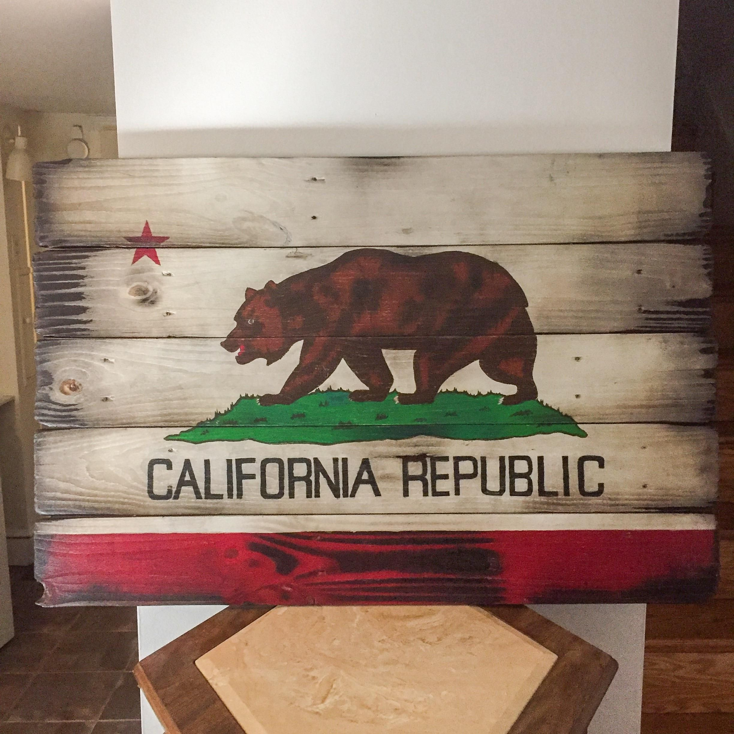 California Flag 42 X28 Made From Pallet Wood And Painted With Acrylic Paint Http Ift Tt 2ylscig Wood Flag Diy Wood Pallets Pallet Painting