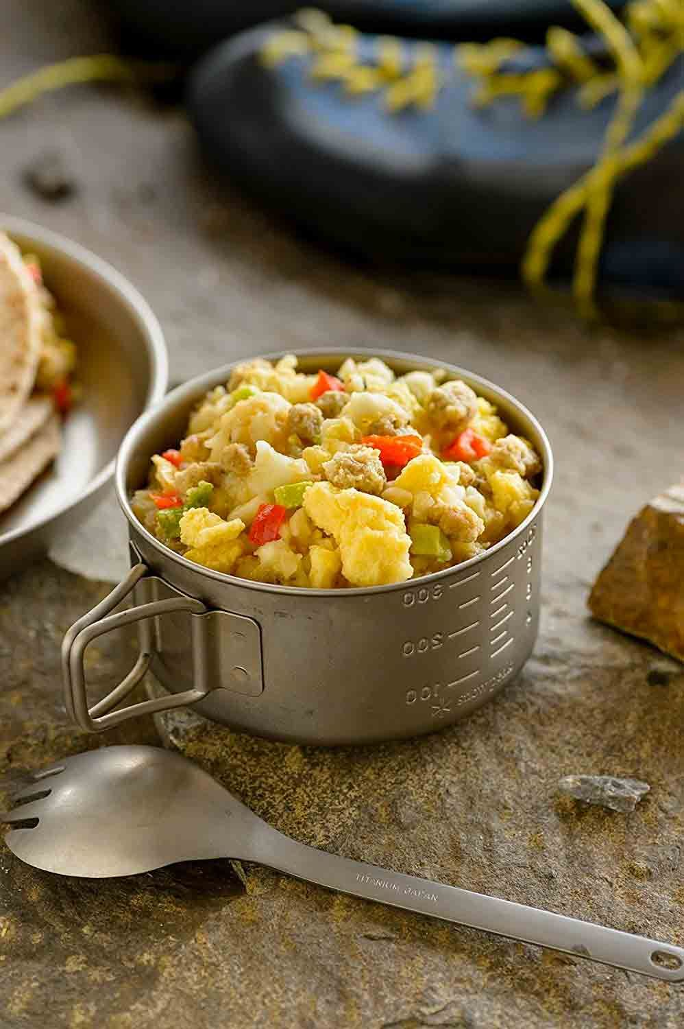 Hash Browns Scrambled Eggs Mixed With Pork Sausage Peppers And Onions For Breakfast While Backpacking Yes Please On Meals Stuffed Peppers Breakfast Skillet