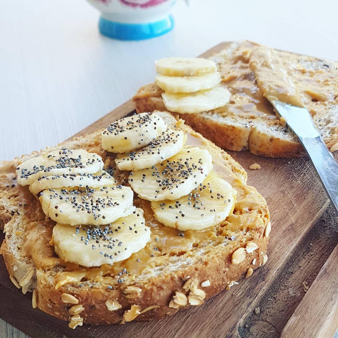 Desayuno Tostada Con Mantequilla De Maní Y Banana Saludable Recetas Pinter Desayuno Con Mantequilla De Maní Mantequilla De Mani Recetas Mantequilla De Mani