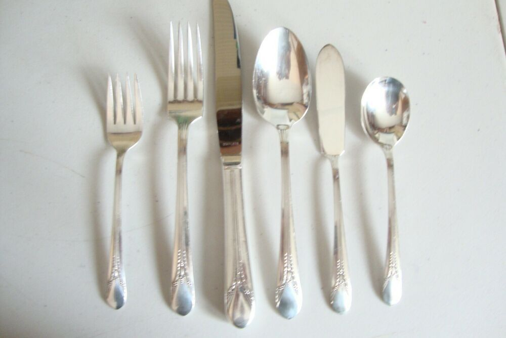 4   International Holmes /& Edwards  CENTURY  Silverplate Place Soup Spoons  1923
