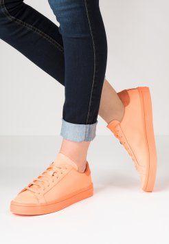 save off f6aba cbbad adidas Originals - COURT VANTAGE ADICOLOR - Sneakers laag - sun glow Adidas  Dame, Adidas