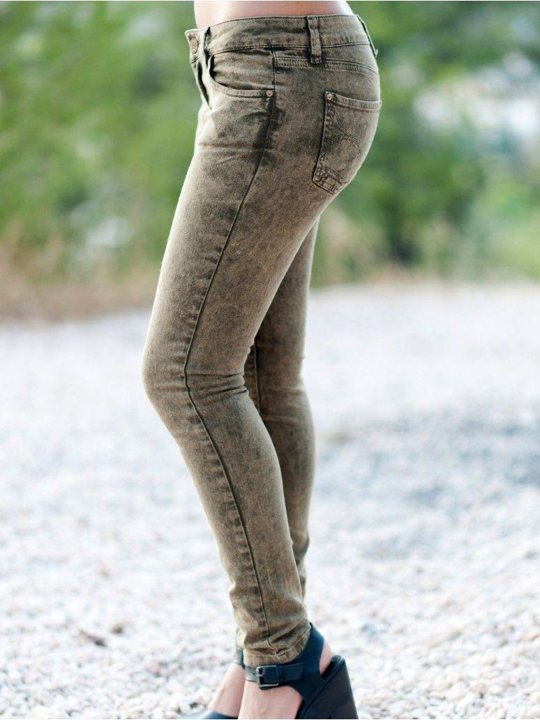 5afef2cb7361 TOI MOI Γυναικείο χαμηλοκάβαλο ελαστικό cigarette παντελόνι, λαδί χρώμα.  59,90 €
