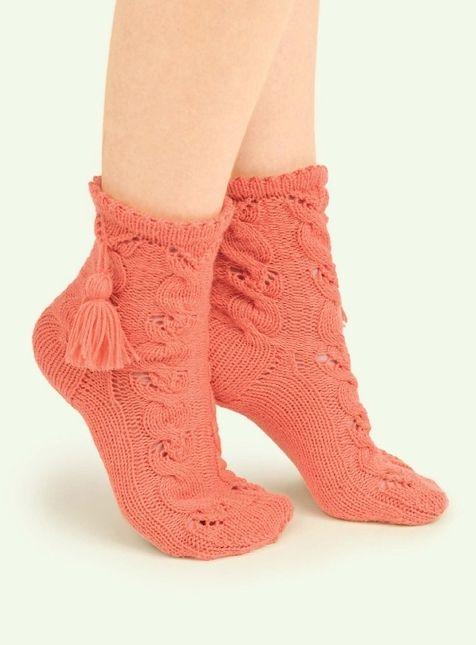 Носки с кисточками