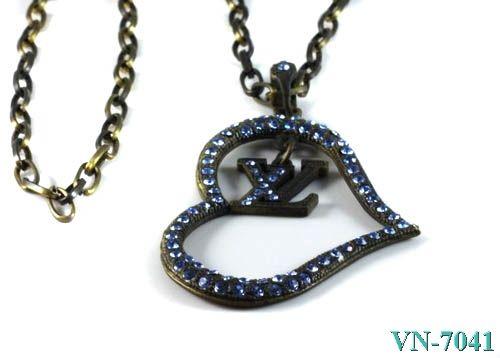 lv lv necklace vn7041 lv necklace vn7041