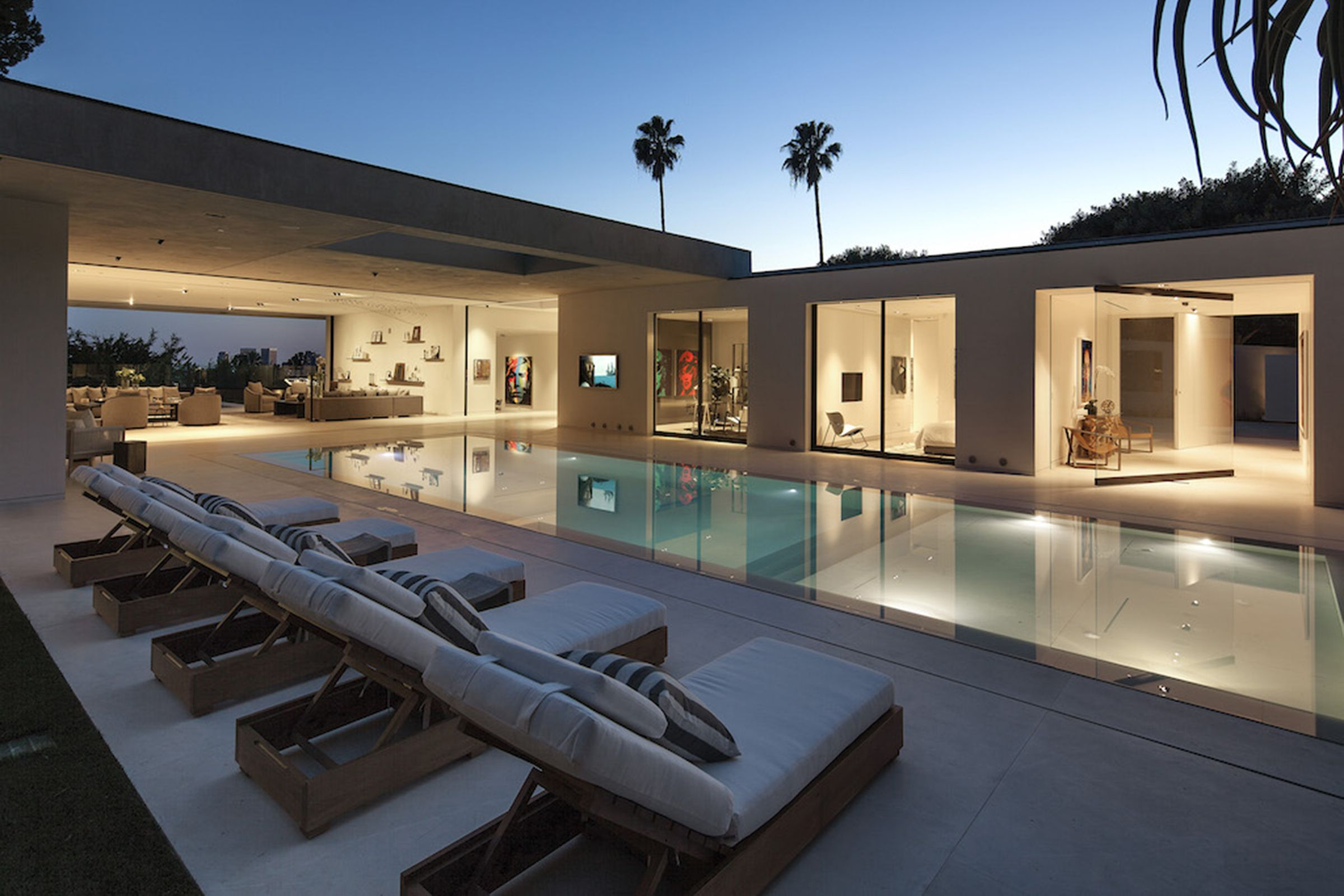 Hillcrest, Beverly Hills, California Modern pools