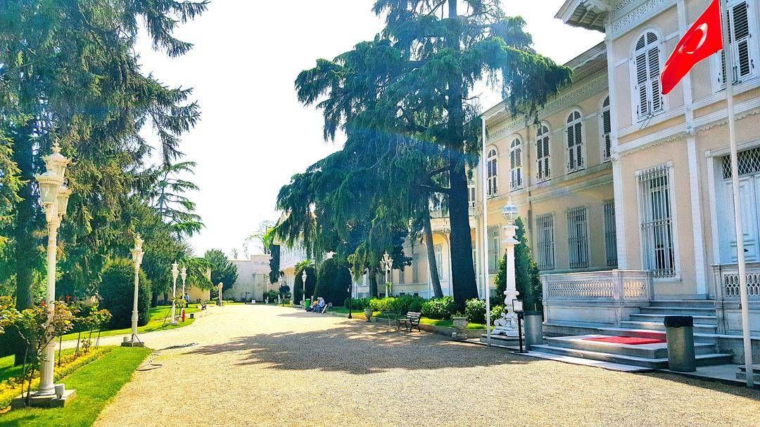 #bahçe #garden #primavera #spring #ilkbahar #yıldızşale #yildizchalet #chalet #şale #fresh #frescio #istanbul #türkiye #turchia #köşk #kiosk #history #tarih #historia #mimari #architecture #architettura #lightpole #fener #lucia #cielo #sky #gökyüzü #ahşap #timber http://turkrazzi.com/ipost/1521663280752536583/?code=BUeCLEVAqwH