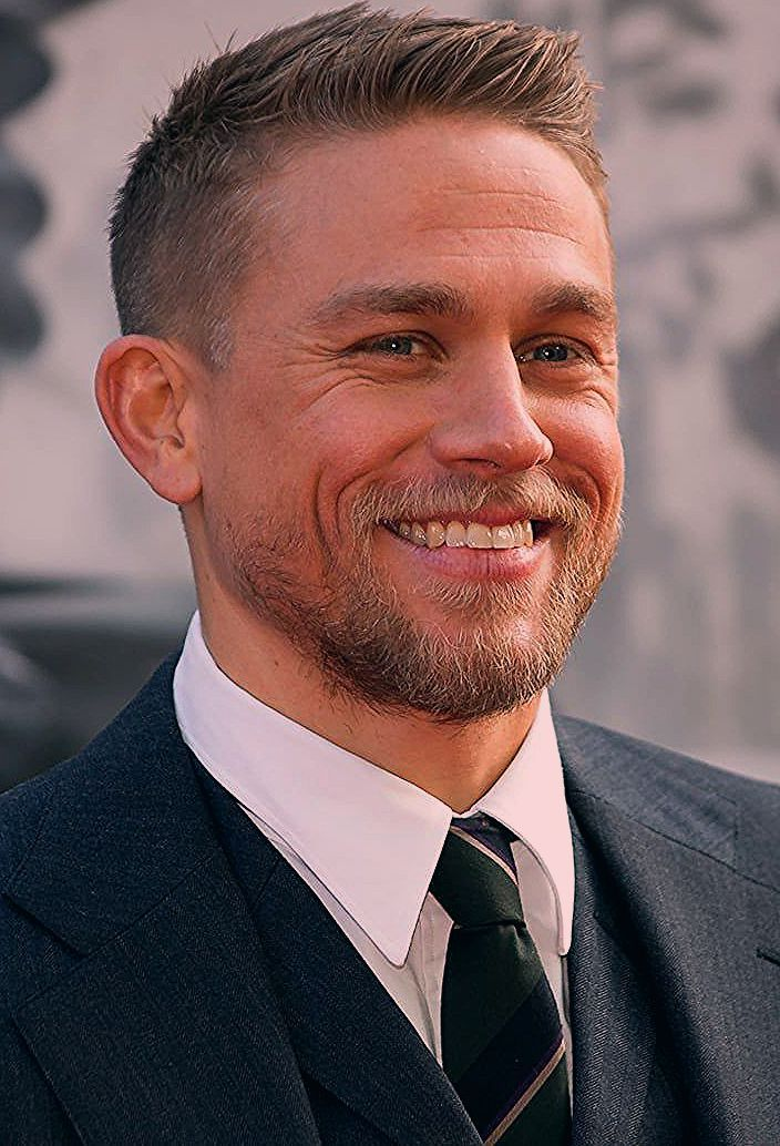Photo of You'd Better Sit Down — These 100 Charlie Hunnam Pics Are Achingly Sexy