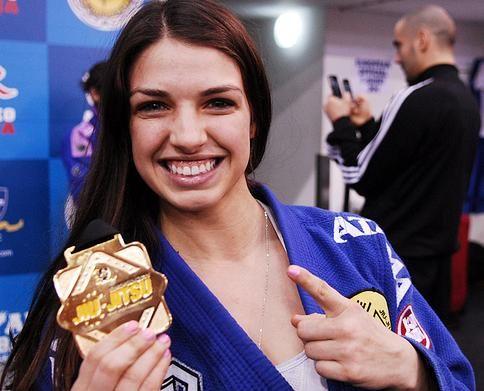 Gracie Humaita Brown Belt Ladies Live Up To Billing Jiu Jitsu Women Jiu Jitsu Brazilian Jiu Jitsu