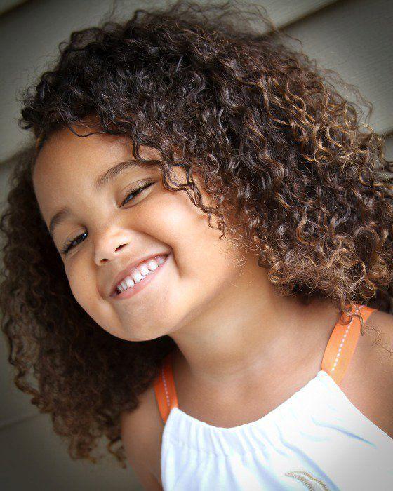 L'univers Curly regroupe les chevelures Ondulées, Bouclées