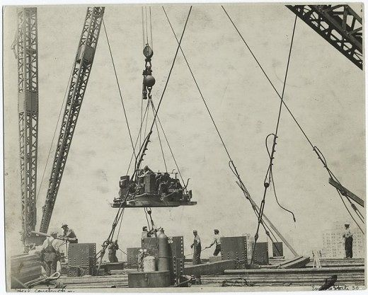 Nueva York: Construcción del Empire State Building (1931) en Localizaciones en Magazine - Lomography