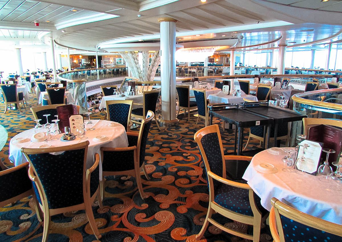 carnival breeze dining room dress code carnival cruise