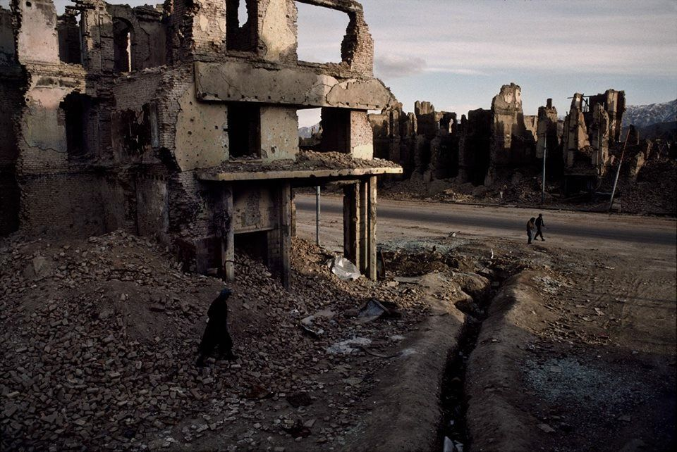 Dystopia, Outskirts