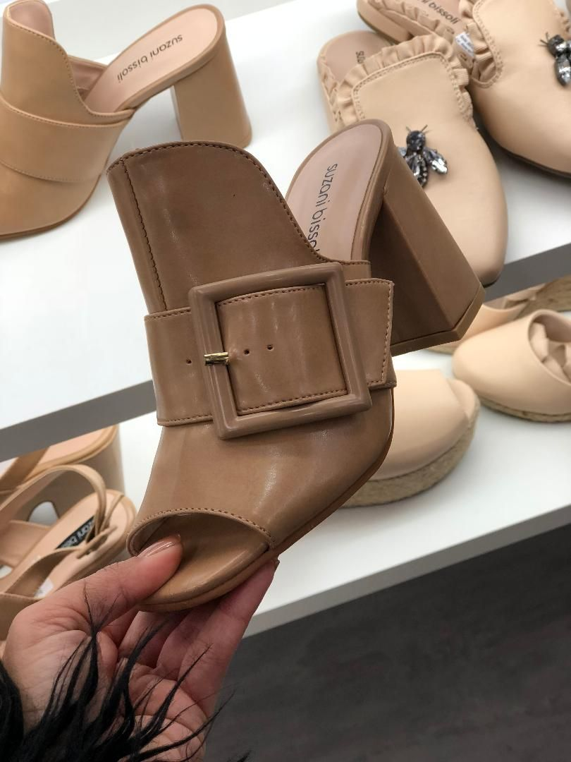 bf82f2b6499 Mule Nude tendência verão 2019. Sapatos Moda. Salto bloco. Sapatos  confortáveis. Moda feminina.