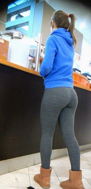 Yoga pant with uggs | Uggs | Pinterest | Uggs, Candid ...
