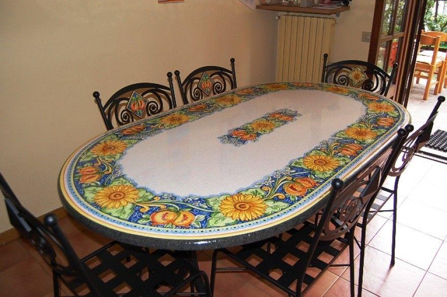 Tavoli Da Giardino Ceramica Caltagirone.Tavoli In Pietra Lavica Ceramizzata Tavoli Ovali Siad