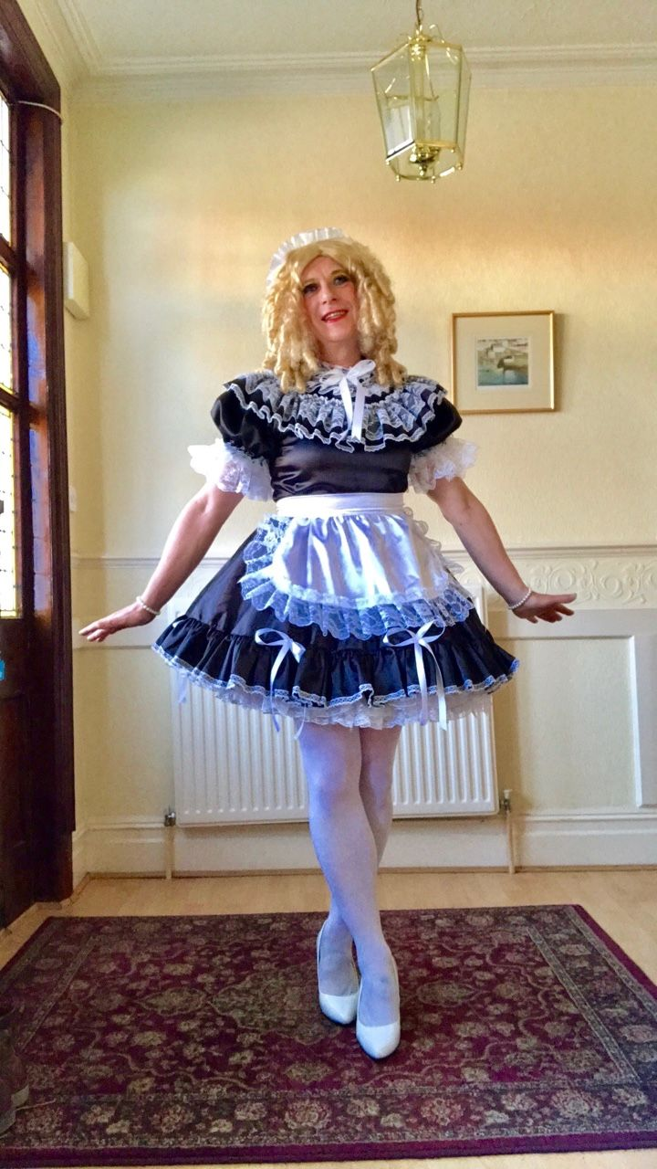 Leslie knope wedding dress  Pin by Robert Johnson on Housemaids   Pinterest
