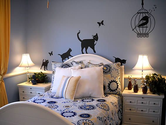 Bedrooms For Single Women Google Search Love The Bedspread And Shams Woman Bedroom Cat Decor Bedroom Bedroom Themes