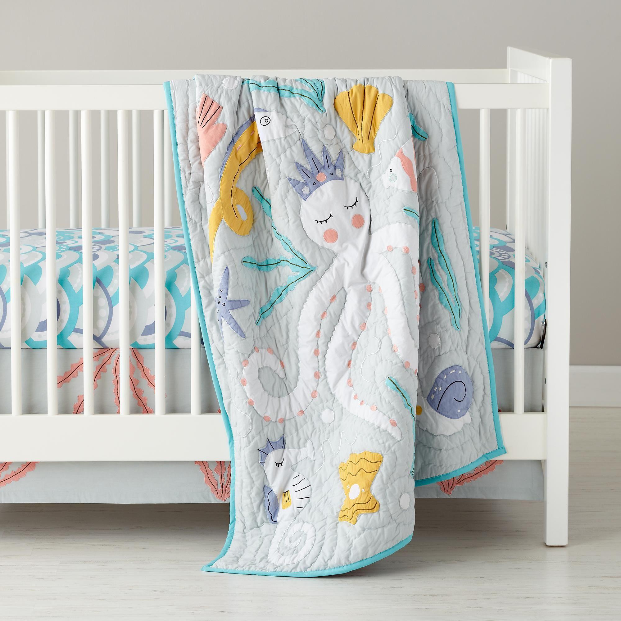 Crib for sale gatineau - The Land Of Nod Marine Queen Crib Bedding